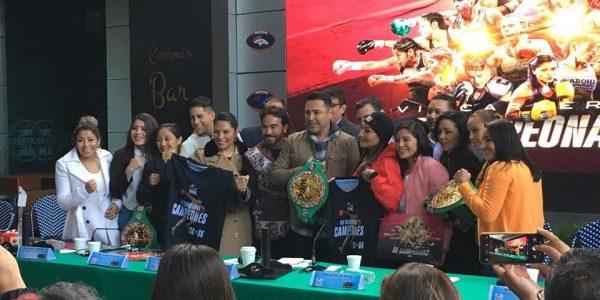 De la Hoya en el lanzamiento de la VII Carrera de Campeones del WBC
