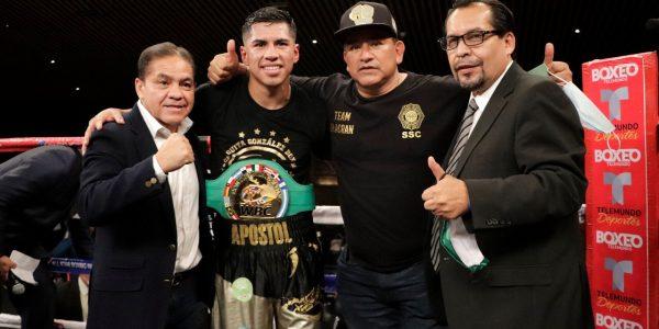 """""""Alacrán"""" Ruiz es nuevo campeón latino del WBC"""