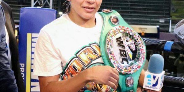 """""""La Cobra"""" nueva campeona silver WBC"""